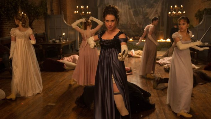 Película Orgullo, prejuicio y zombies, mujeres con largos vestidos de época