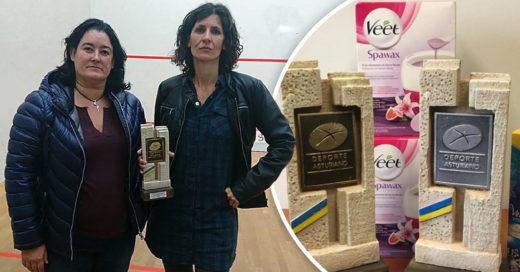 Premian a campeonas de squash con un vibrador y cera depilatoria
