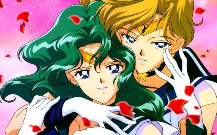 Curiosidades sobre caricatura Sailor Moon; Sailor Urano y Neptuno, Haruka y Michiru abrazadas