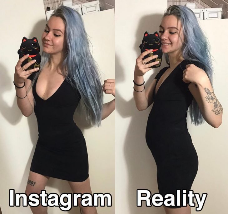 Blogger Sara Putho, comparative selfies between the expectation on Instagram and reality; girl with gray denim hair, with black tight dress and flower tattoo on her arm, taking a selfie with a cell phone with black cat sleeve