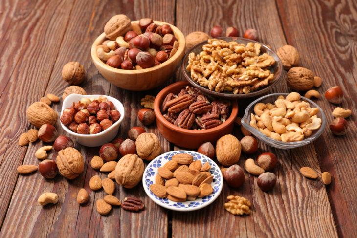 Frutos secos, cacahuate, nuez de la india, almendras