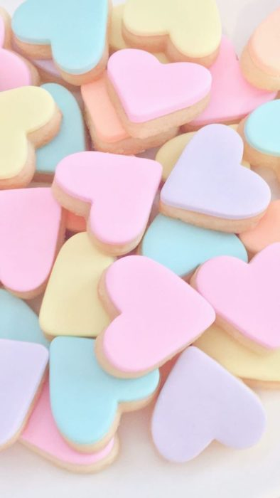 Cute Wallpapers for Phone with candy hearts pills