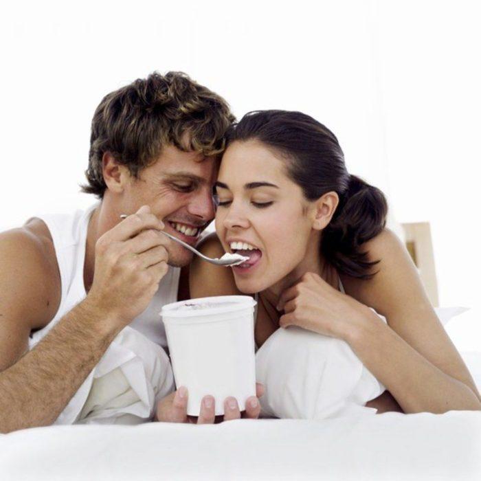 pareja come helado