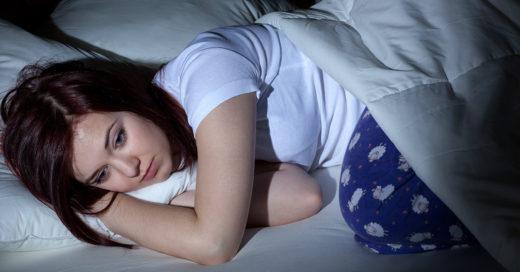 Dormir poco equivale a estar soltero