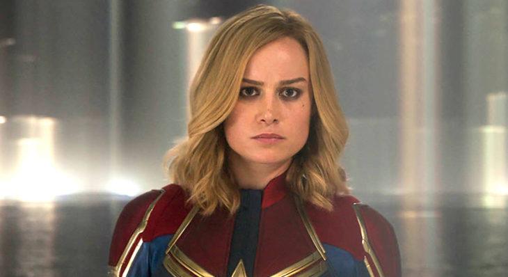 Brie Larson vestida como Capitana Marvel, Marvel