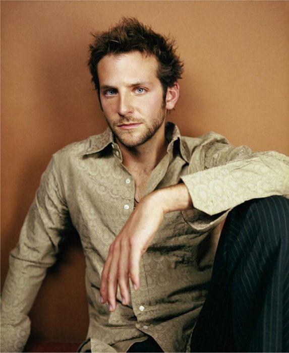 Actor, director y cantante Bradley Cooper de joven