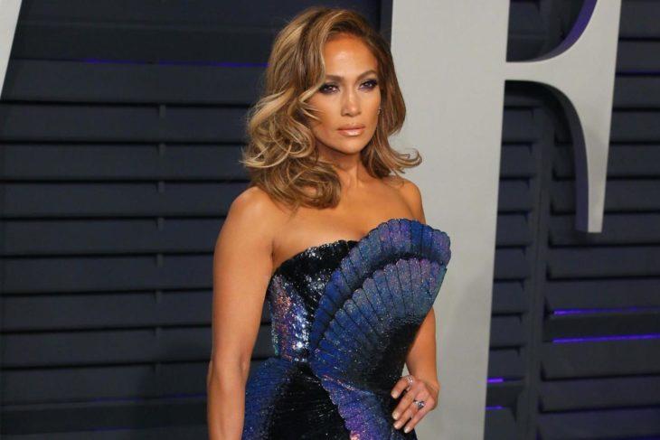 Las raras exigencias de los famosos; Jennifer Lopez con vestido de gala