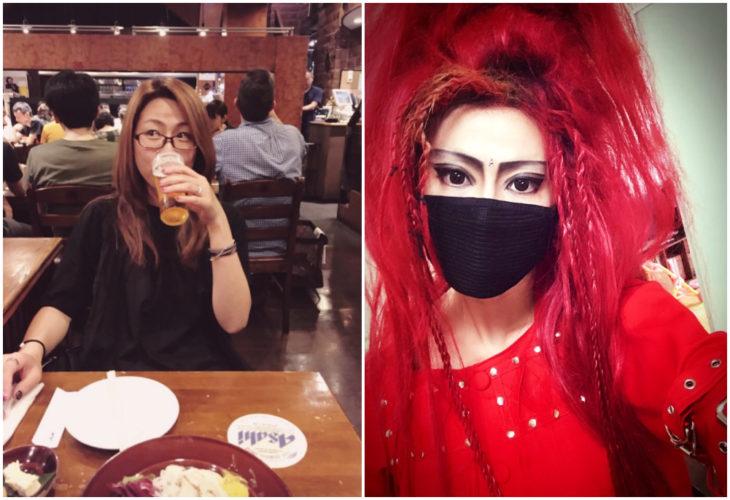 Mujer bebiendo café en un restaurante, antes y después de usar cosplay