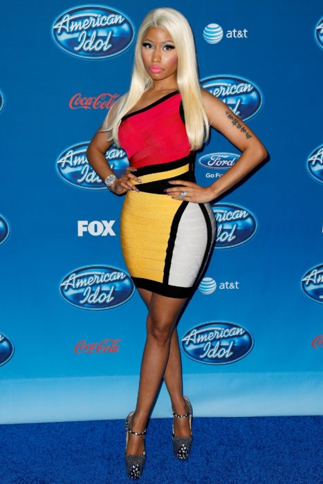 Nicki Minaj por uan alfombra azul, modelando, American Idol