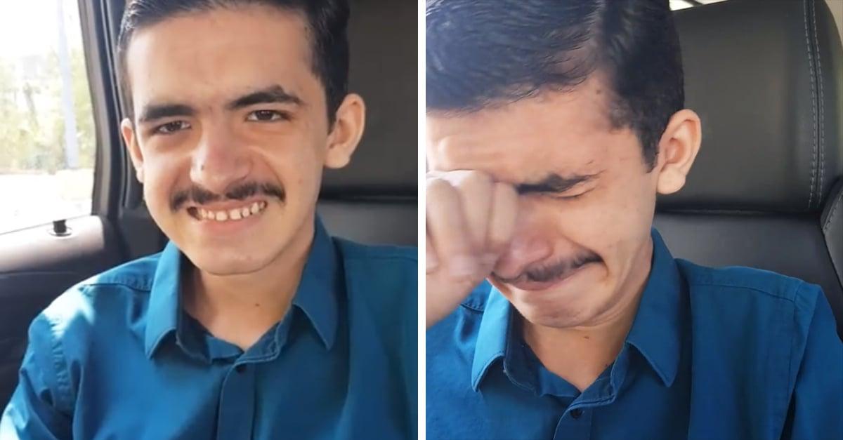 Joven con discapacidad emociona con su reacción al obtener su primer empleo
