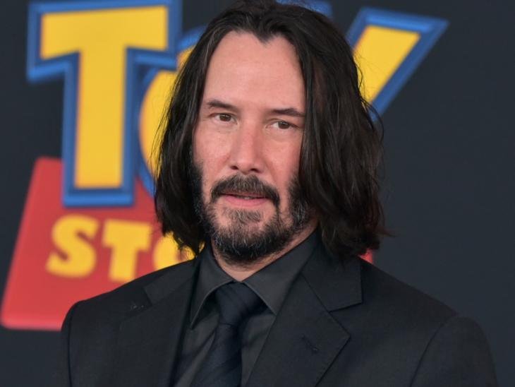 """Actor Keanu Reeves en la alfombra roja de Toy Story 4; fans piden que sea nombrado """"La persona del año"""" por la revista Time"""
