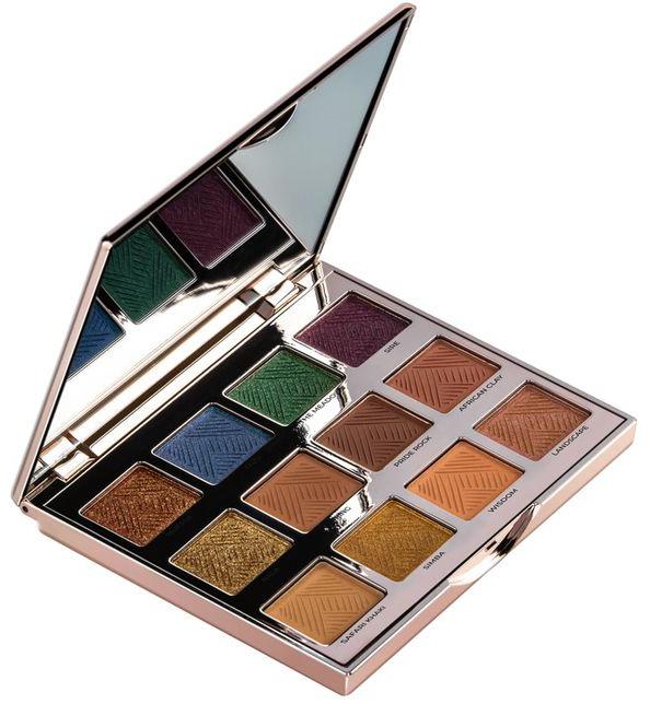 Caja de sombra para ojos creada por Sir jhon para la línea de maquillaje del Rey León