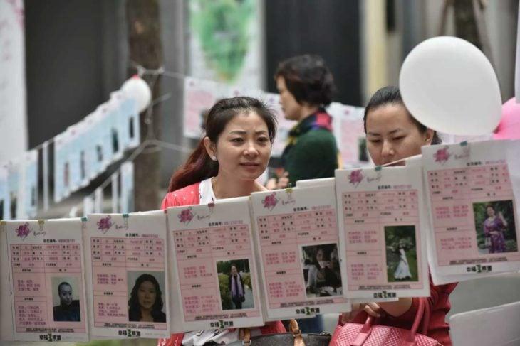 China da vacaciones a mujeres solteras; mercado de matrimonios