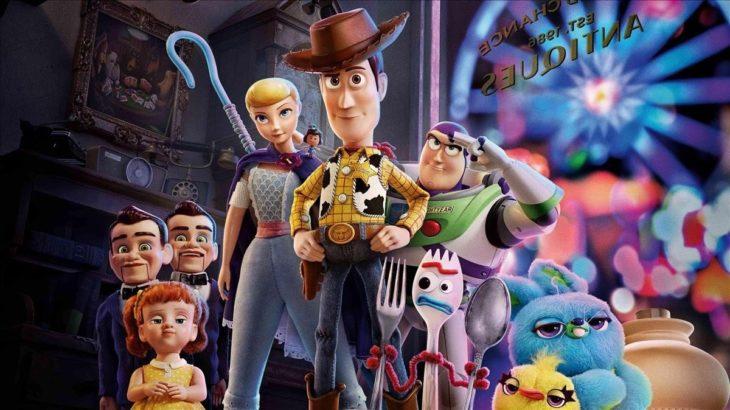 Poster de la película Toy Story 4. Personajes reunidos