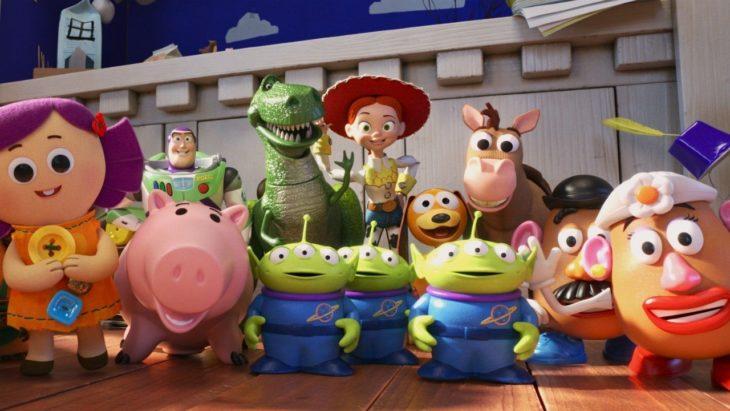Escena de la película Toy Story 4. Personajes reunidos