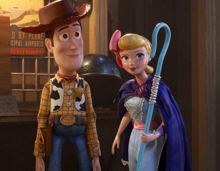 Escena de la película Toy Story 4. Woody junto a la obejera Bo peep