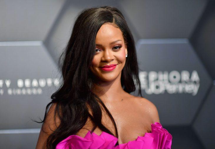 Rihanna durante un evento de la presentación de Fenty Beauty