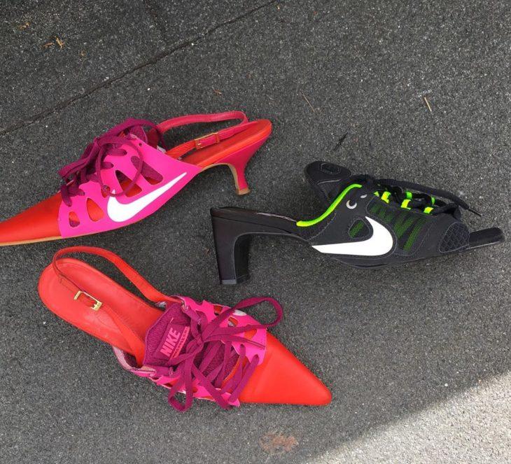 Tenis Nike modificados con cintas y tacón