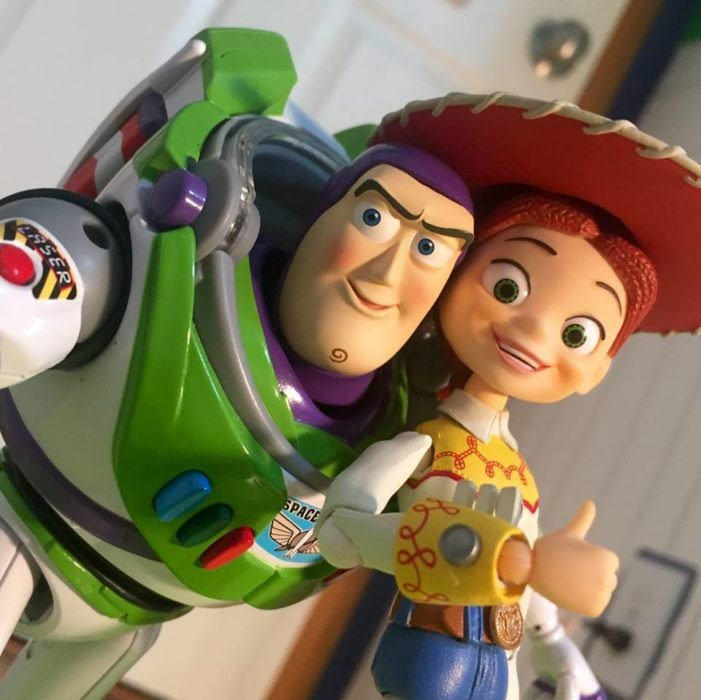 Morgan y Mason McGrew, hermanos crean version stop motion de película Toy Story 3 de Disney Pixar; Buzz Lightyear y Jessie