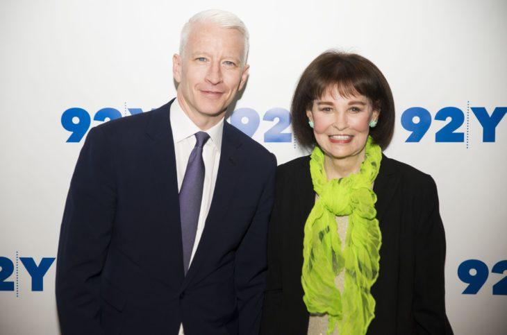 Gloria Vanderbilt con su hijo Anderson Cooper, presentador de noticias de CNN