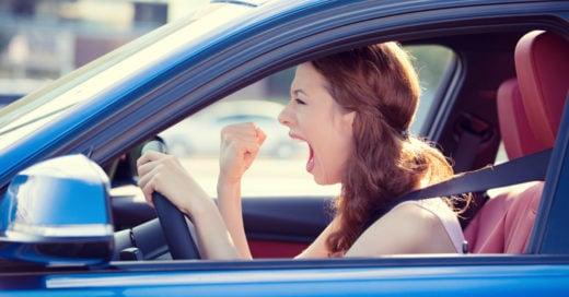 Personas de baja estatura son más agresivas al manejar