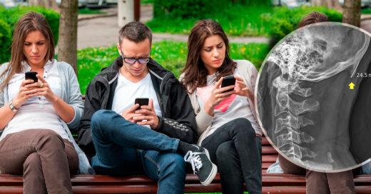 """Uso constante del celular podría generar un """"cuerno"""" en los jóvenes"""