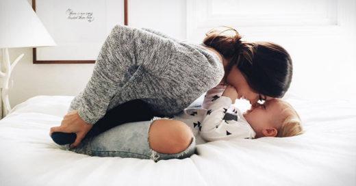 Estudio revela que mamás solteras duermen más y hacen menos quehaceres que las casadas