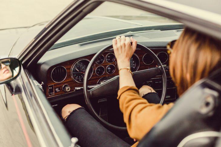 Personas bajitas con más agresivas a la hora de manejar