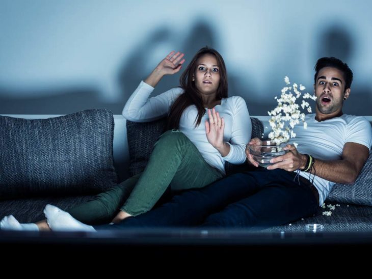 Estudios revelan que ver películas de terror en pareja puede resultar muy benéfico