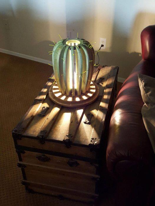 Lámpara de noche de cactus