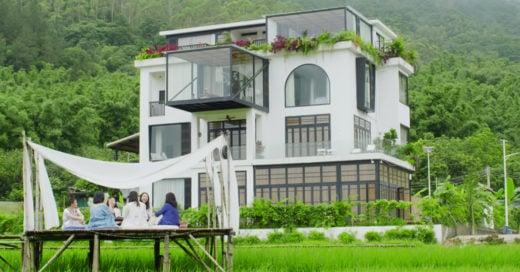 Amigas construyen la mansión de sus sueños para envejecer juntas
