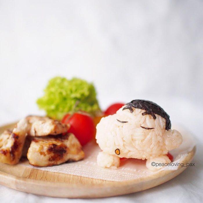 Figura de arroz creado por Pax pacífico inspirada en Shinchan