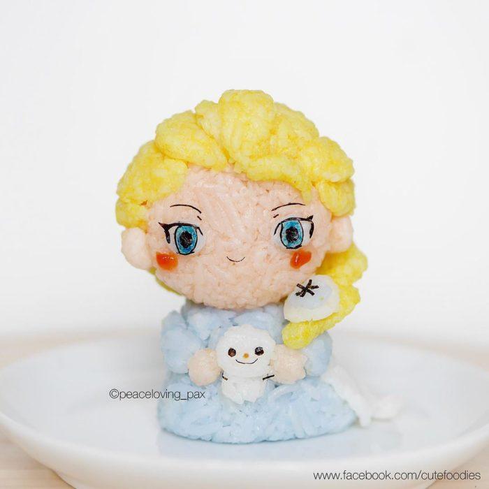 Figura de arroz creado por Pax pacífico inspirada en Elsa de Froen