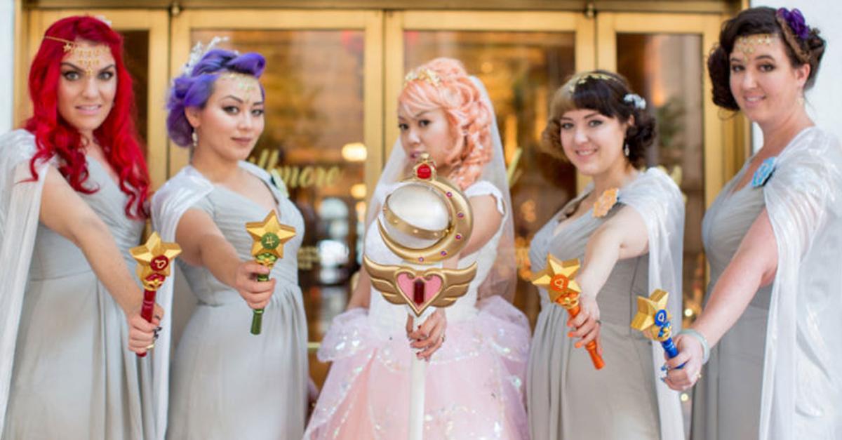 Esta pareja tuvo una boda cósmica inspirada en Sailor Moon