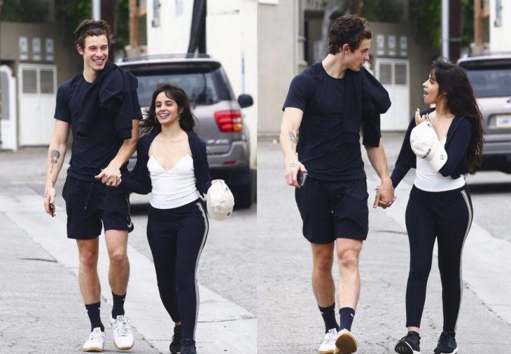 Camila Cabello y Shawn Mendes caminando tomados de la mano después de ir a desayunar