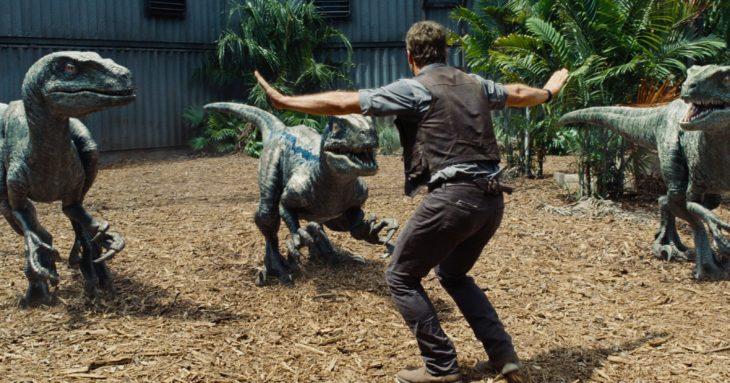 Datos sobre películas; Jurassic Park con Chris Pratt; Owen con los velociraptors