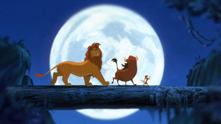curiosidades de película de Disney El rey león de 1994; Simba, Timón y Pumba cantando Hakuna matata