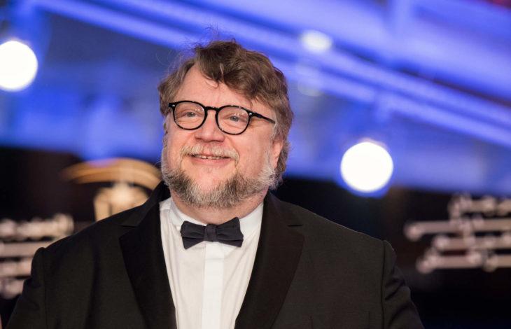 Guillermo del Toro destaca por ayudar económicamente a jóvenes mexicanos