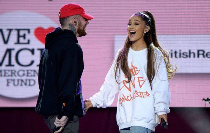 Ariana Grande y Mac Miller en el concierto One Love Manchester recaudando fondos para las victimas del atentado