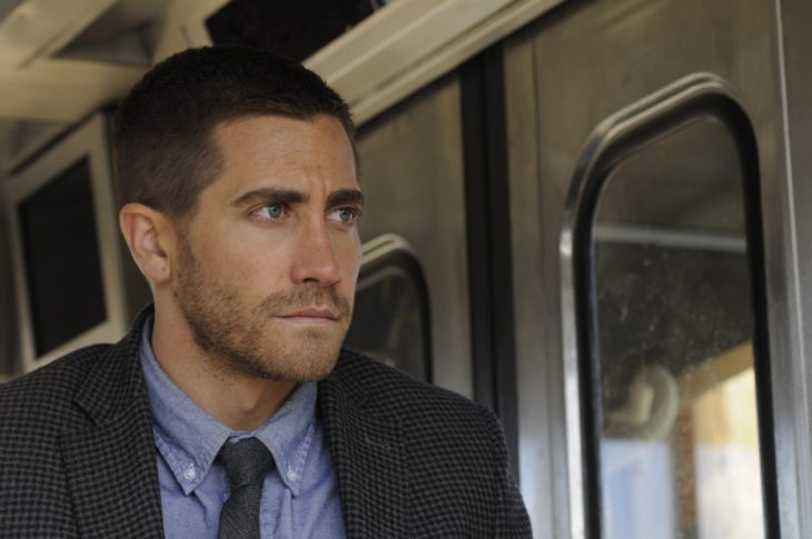 Actor Jake Gyllenhaal con cabello corto en Source code de 2011