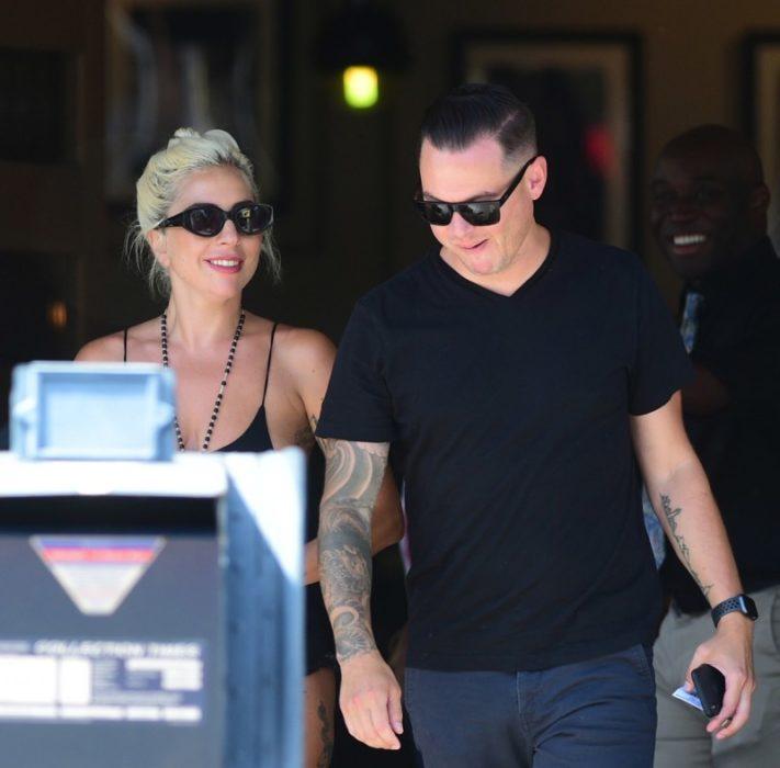 Lady Gaga con su novio, el productor Dan Horton