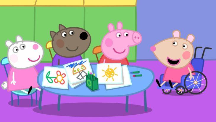 escena de Peppa Pig donde sale Mandy Mouse la ratoncita en silla de ruedas