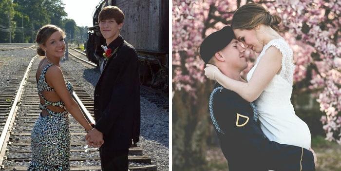 Pareja de novios tomados de las manos caminando por las vías del tren, y cargándose el uno al otro frente a arboles con hojas rosas
