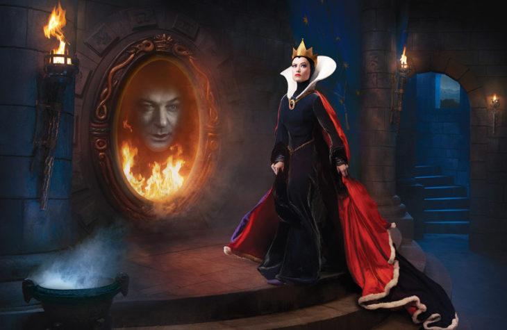 Alec Baldwin y Olivia Wilde como la reina malvada de Blancanieves