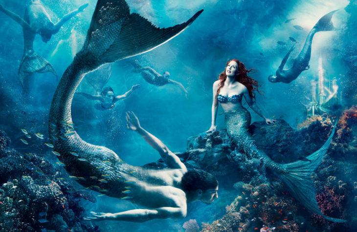 Julianne Moore y Michael Phelps como personajes de Ariel