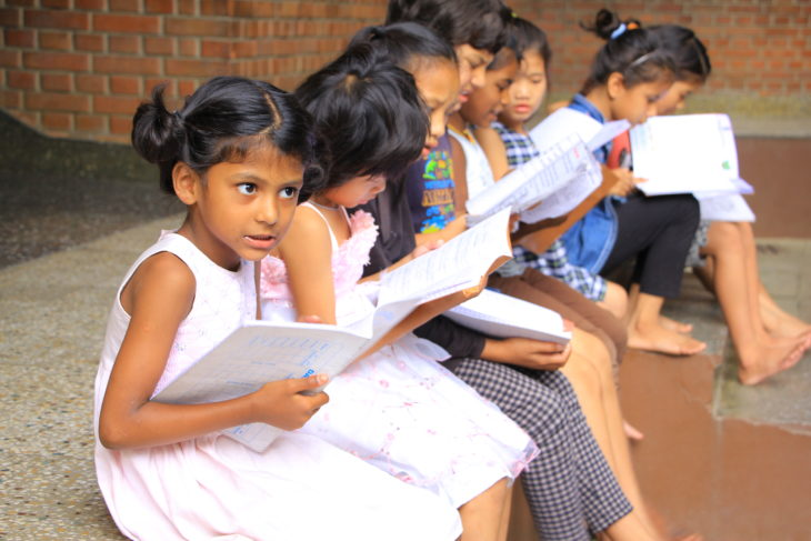 niñas nepalíes en la fundación Maiti Nepal