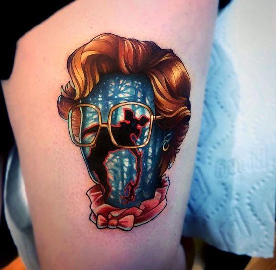 Tatuaje inspirado en Stranger Things con el rostro de Barbara