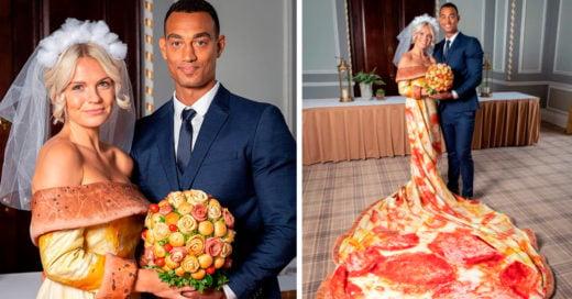 Esta novia tiene un delicioso vestido con estampado de pizza