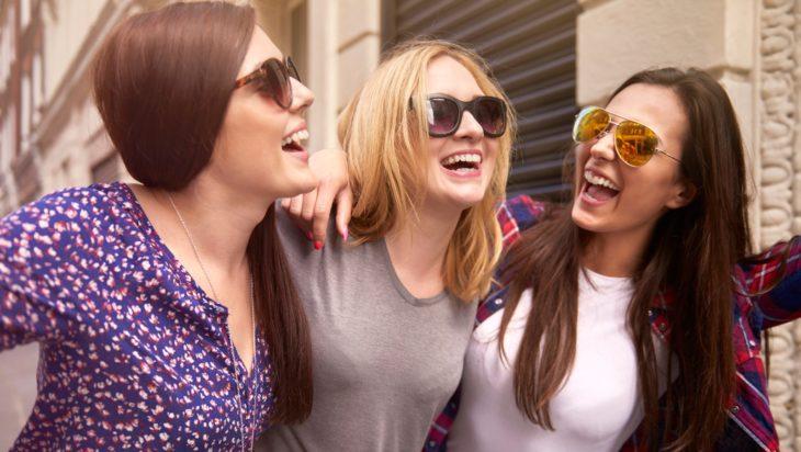 Estudio revela que solamente le caes bien a la mitad de tus amigos