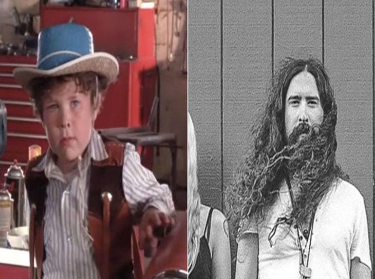 Christopher Walber interrpetando a Timmy Moore en la película los pequeños gigantes y después como cantante de rock